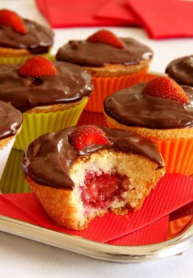 muffin_de_chocolate_com_morango_baixa161006_152555