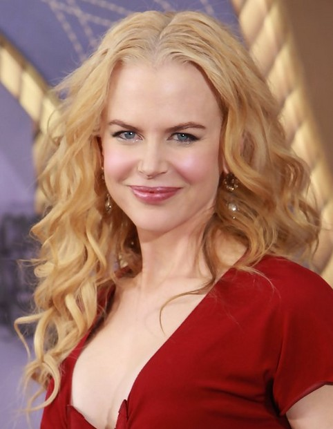 Nicole-Kidman-Long-Hairstyle-Tousled-Curls