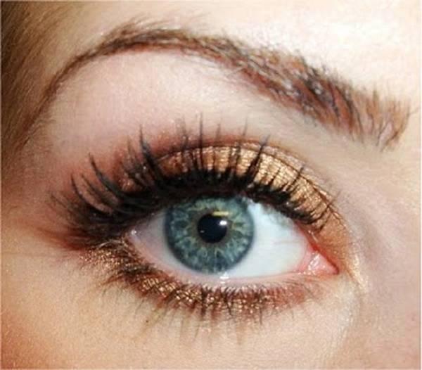 olhos claros maquiagem dourada pinterest