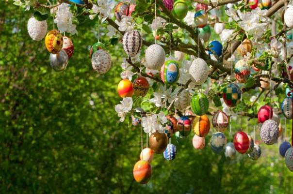Eastereggs on tree