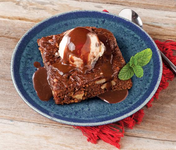 Brownie de chocolate com nozes e linhaça