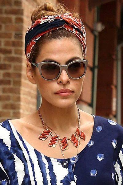 Famosas, como a atriz Eva Mendes, já aderiram ao turbante para dar um ar cool às produções