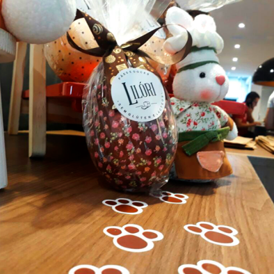 Lilóri -Ovo tradicional com bombom de brownie - R$ 48,60