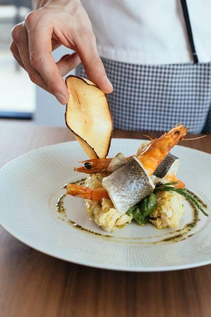 Receita com bacalhau e frutos do mar _ Créditos_ Emanuele Siracusa Photography