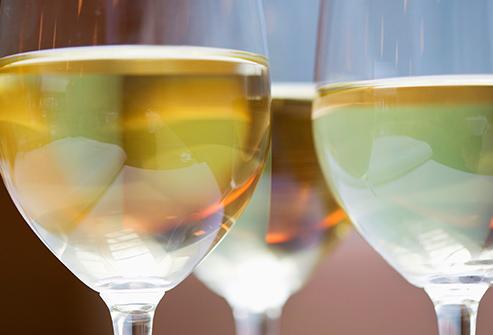 getty_rf_photo_of_glasses_of_wine vinho bco