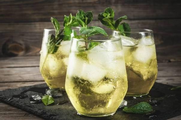 Traditional Spanish alcoholic cocktail, Rebujito