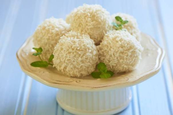 Sweet rice and coconut balls with nut