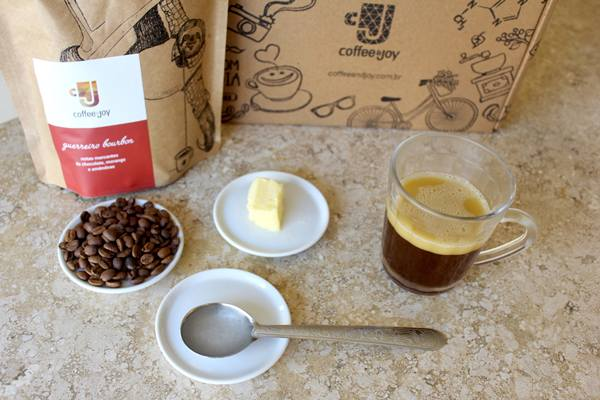 coffee and joy - receita do Bulletproof coffee