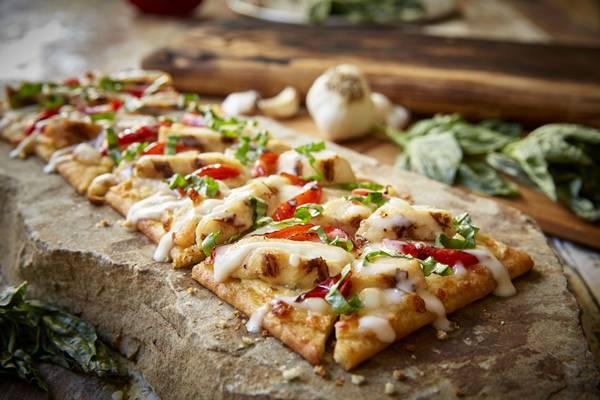 grilled_chicken_flatbread_do_olive_garden_1