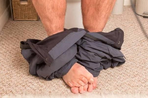 homem banheiro constipação diarreia SII