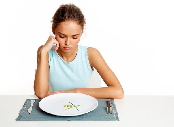 prato comida mulher fome dieta
