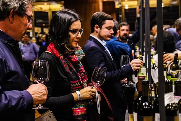 SP - mercado de vinhos