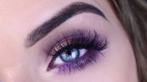 make tons de roxo_ cilios volumosos