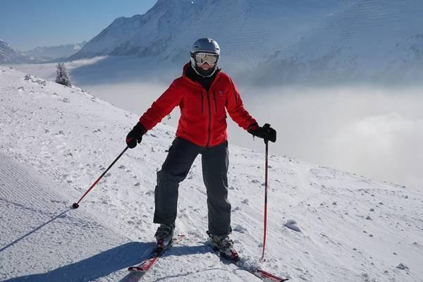 mulher esqui hans pixabay