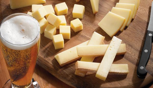 cerveja e queijo saputo
