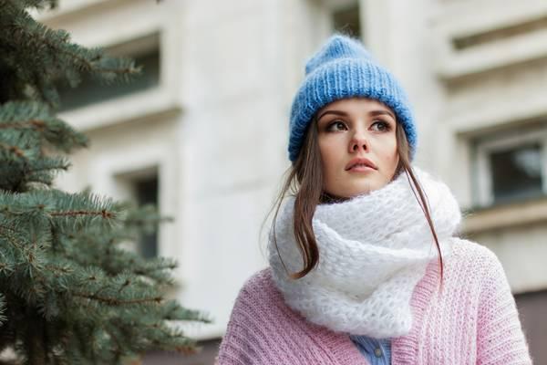 mulher-frio-cachecol