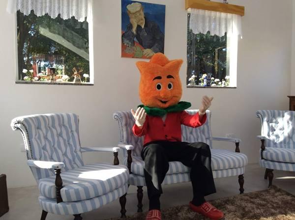 O personagem Tulipo ganhou este ano uma casa e uma banda.