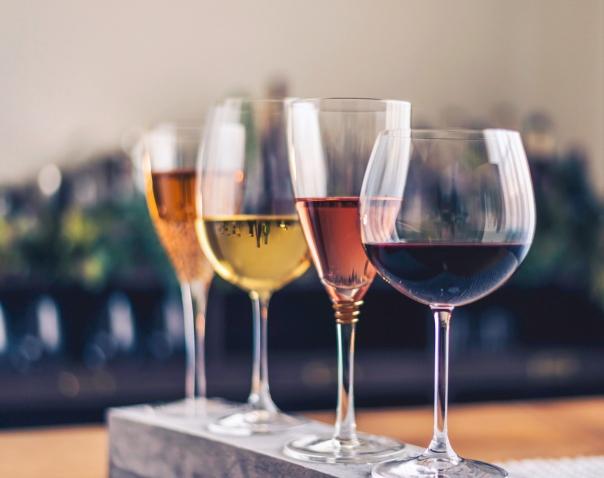 vinhos taças.jpg