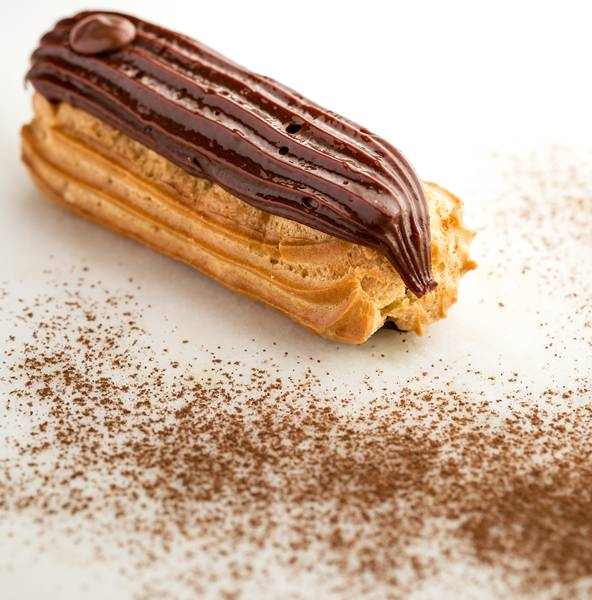 bomba_chocolate eclair brunella.jpg