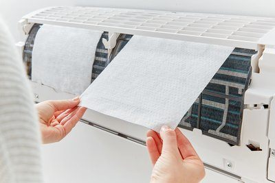 3m-filtrete-lifestyle-air-conditioning-in-use-close-up