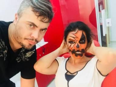 maquiador e modelo
