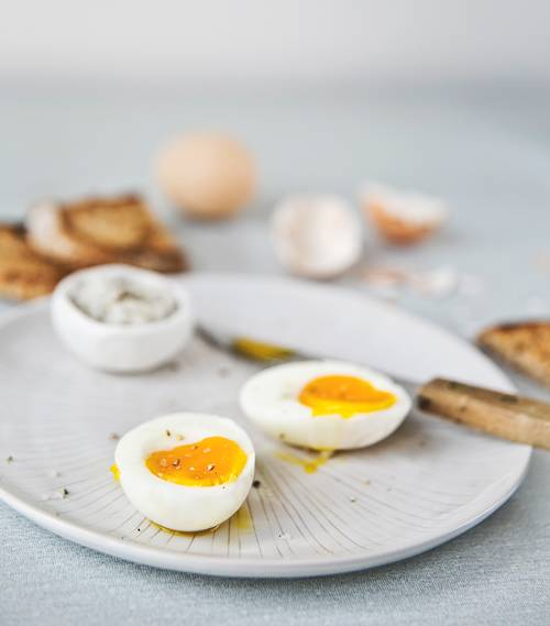 ovos cozidos stocksy
