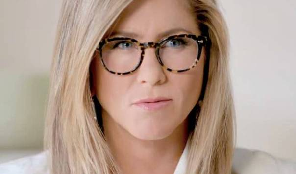 jennifer aniston oculos  the hunt.jpg