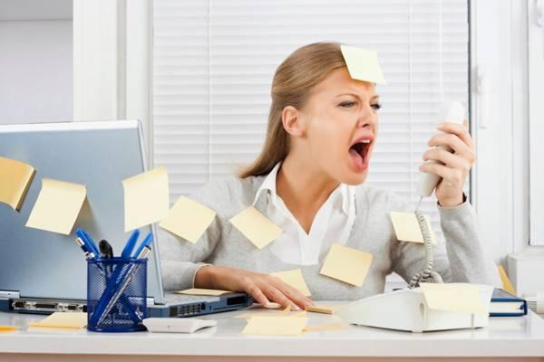 mulher estresse trabalho