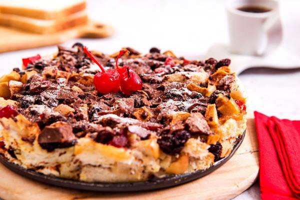 torta de chocolate e frutas.jpg