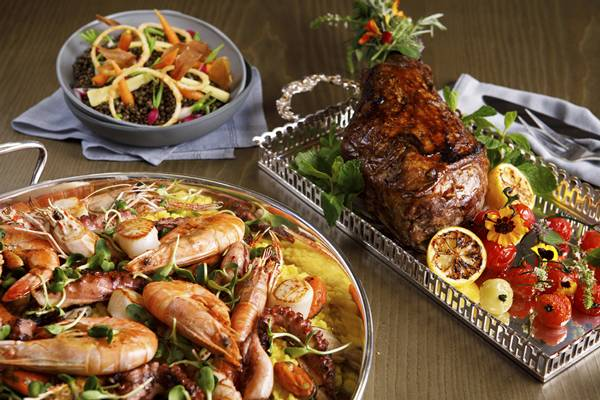 Paella, salada de lentilhas e cordeiro_Jantar de Reveillon Blanc de Blancs_Salao Cristal_2
