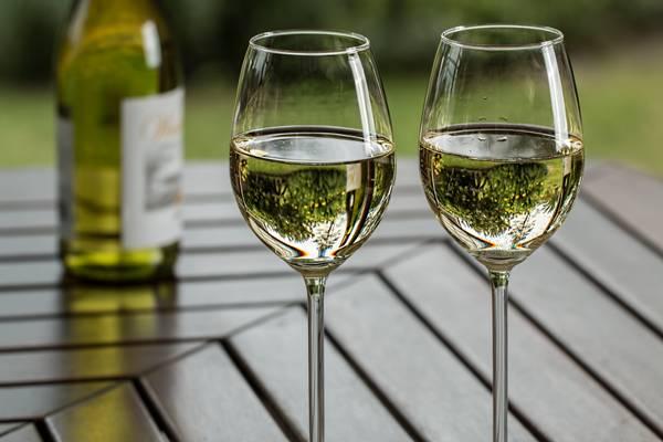 Vinho_ branco taças