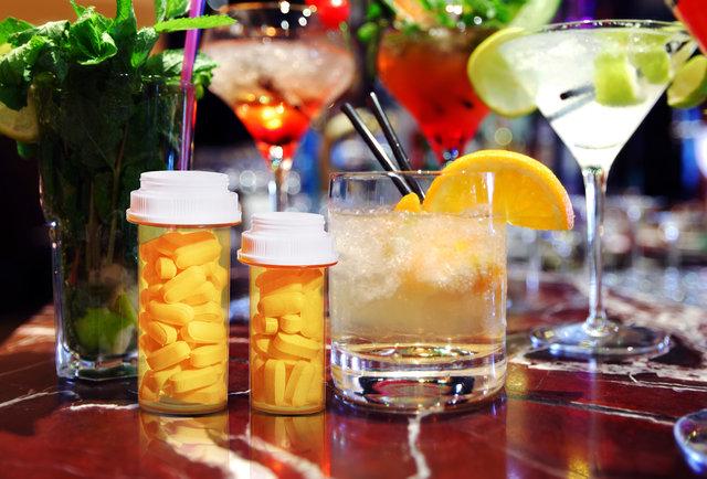 bebida e remedio Shutterstock Jennifer Bui Thrillist
