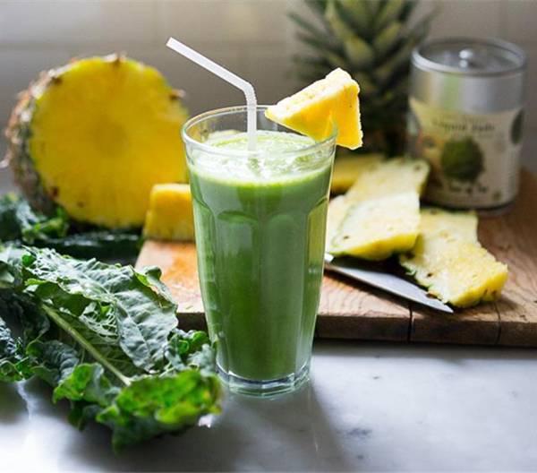 chá verde com abacaxi