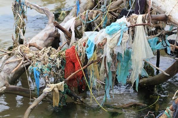 letonia poluição mar pixabay