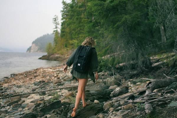 mulher caminhando caminhada pixabay