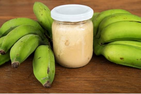 biomassa banana verde shutterstock