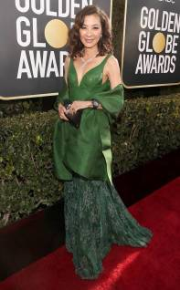 rs_634x1024-190106151212-634-2019-golden-globes-red-carpet-fashions-michelle-yeoh.cm.1618
