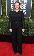 rs_634x1024-190106153529-634-elizabeth-perkins-2019-golden_globes-red-carpet-fashions.ct.010619