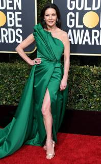 rs_634x1024-190106170609-634-catherine-zeta-jones-2019-golden_globes-red-carpet-fashions.ct.010619