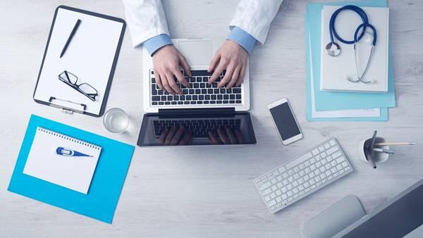 computador médico consulta pixabay