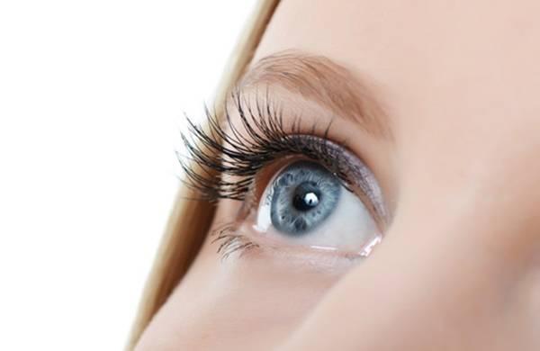 cilios olhos mulher