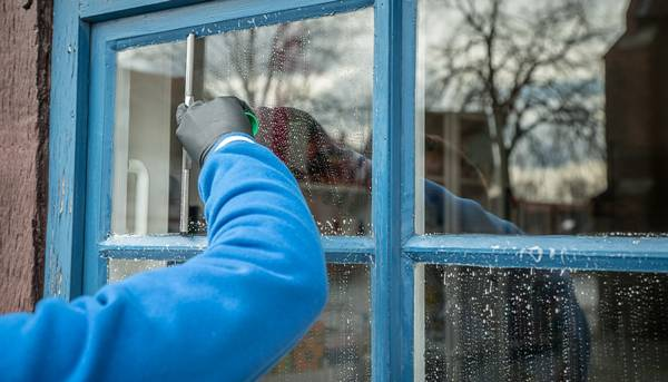limpando janela pixabay