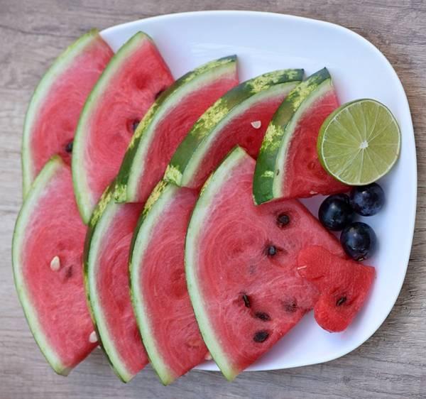 melancia em pedaços pixabay