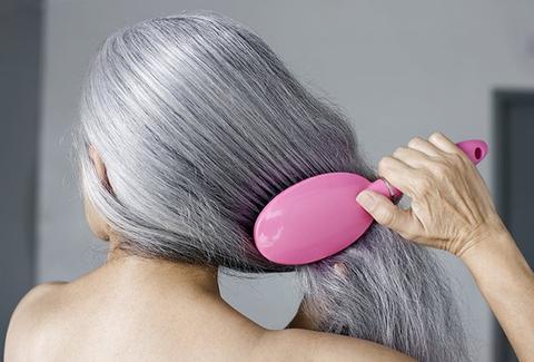 penteando os cabelos keratinbeautyblog