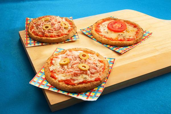 mini pizza com massa de grÆo de bico tif.png