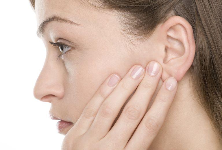 orelha rosto ouvido