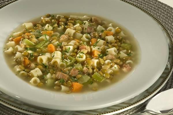Sopa de Lentilha com Bacon - Padre Nosso Adria.jpg