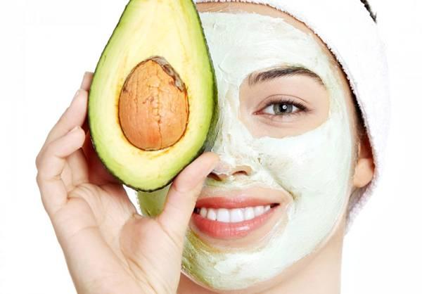 máscara facial abacate rosto