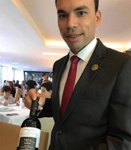 Tiago Sommelier
