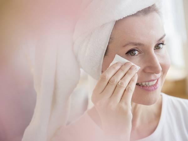 demaquilante limpeza pele mulher